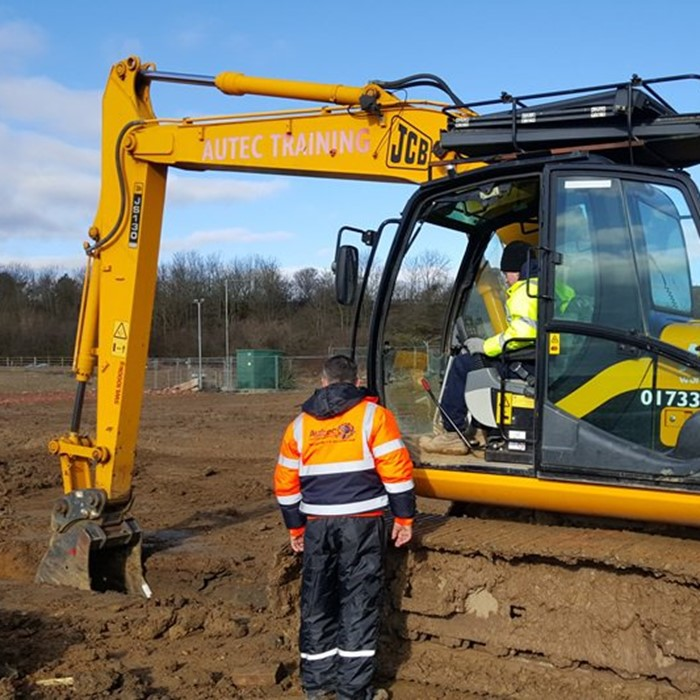 Cpcs 360 excavator red card course.