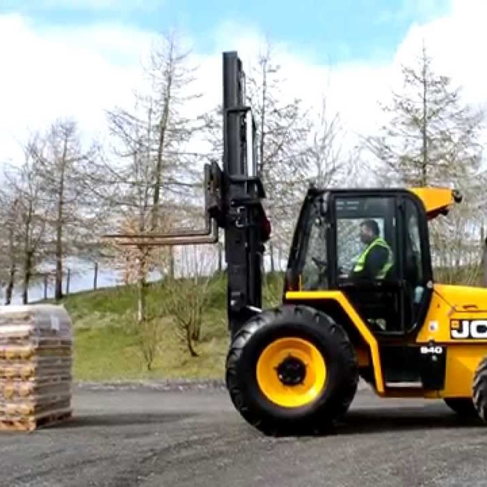 Rough Terrain Fork Lift
